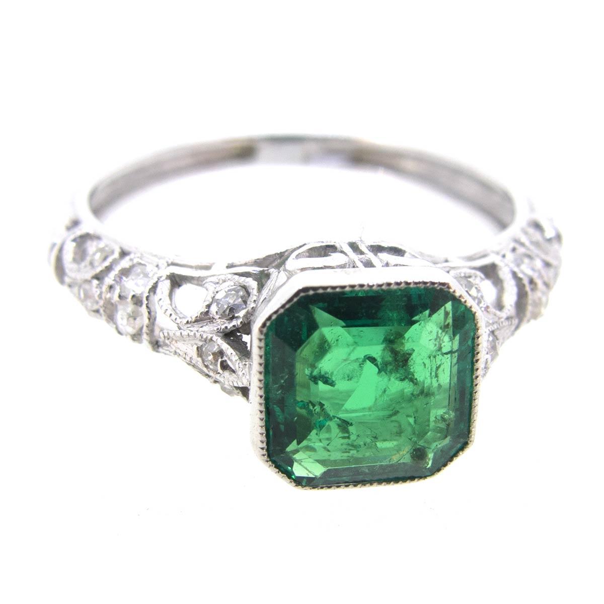 Emerald & Diamond Filigree Ring