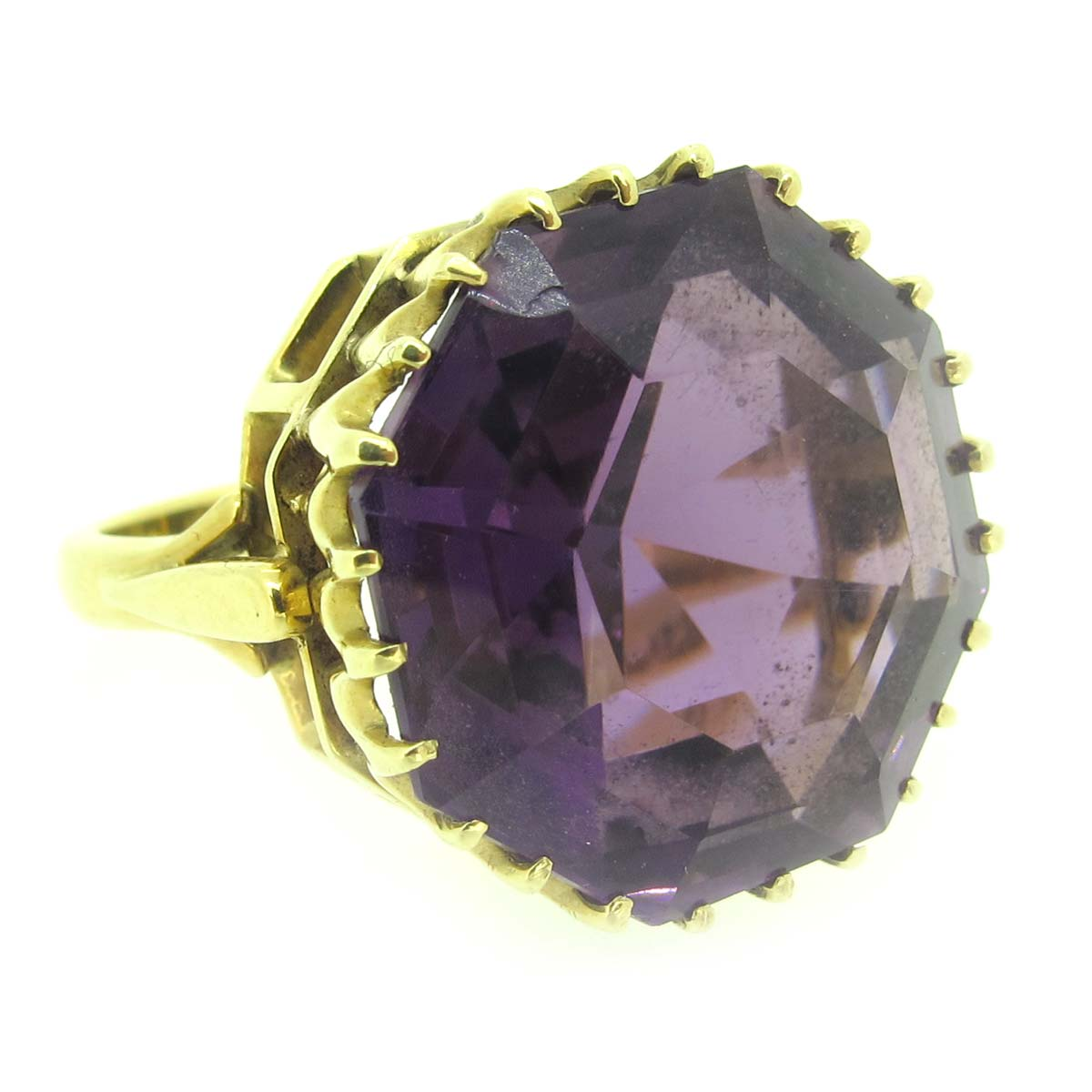 gold & amethyst cocktail ring