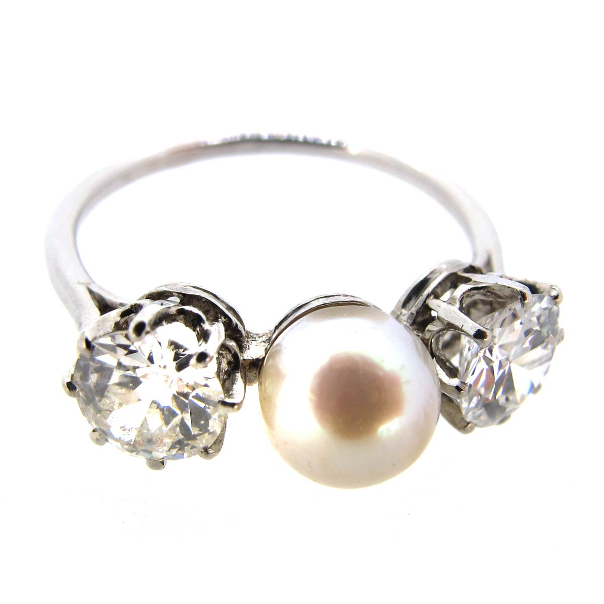 Pearl & Diamond 3 Stone Ring